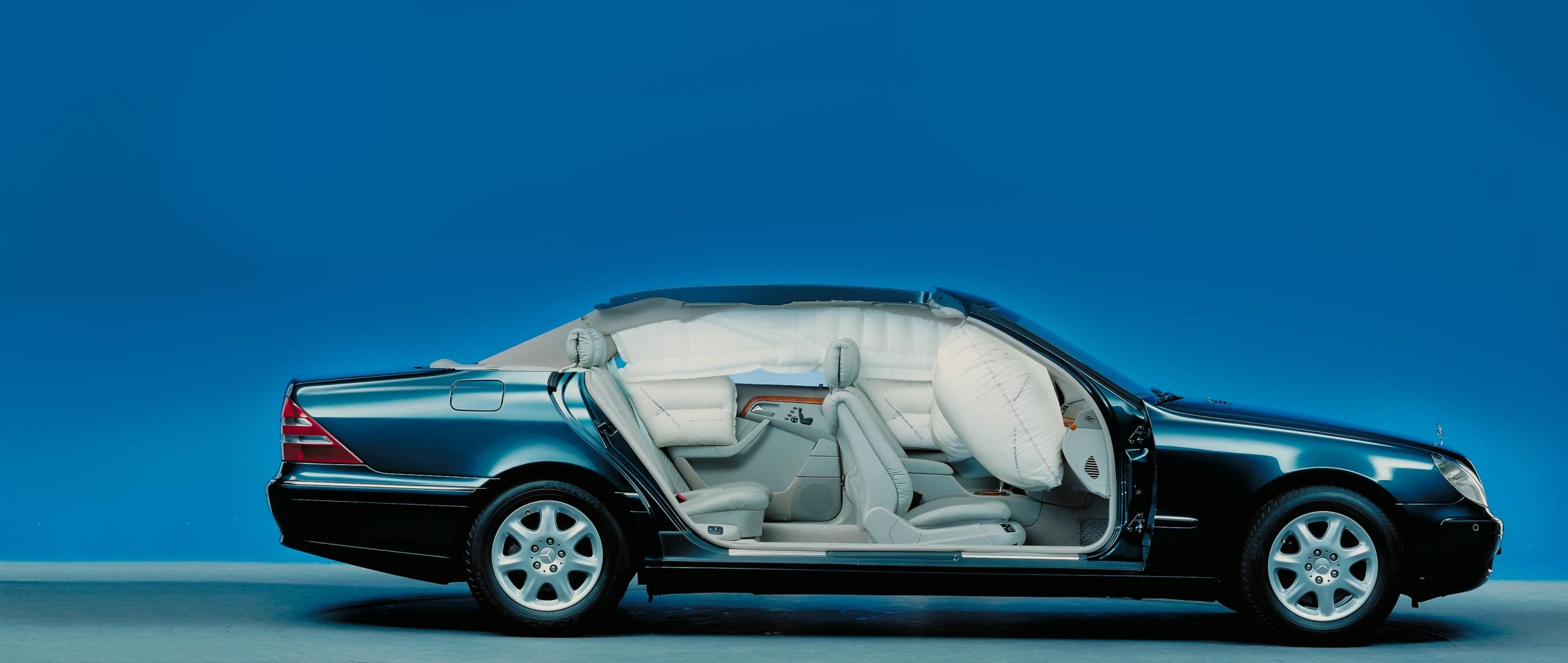 Mercedes-Benz Airbags celebrate their Anniversary.