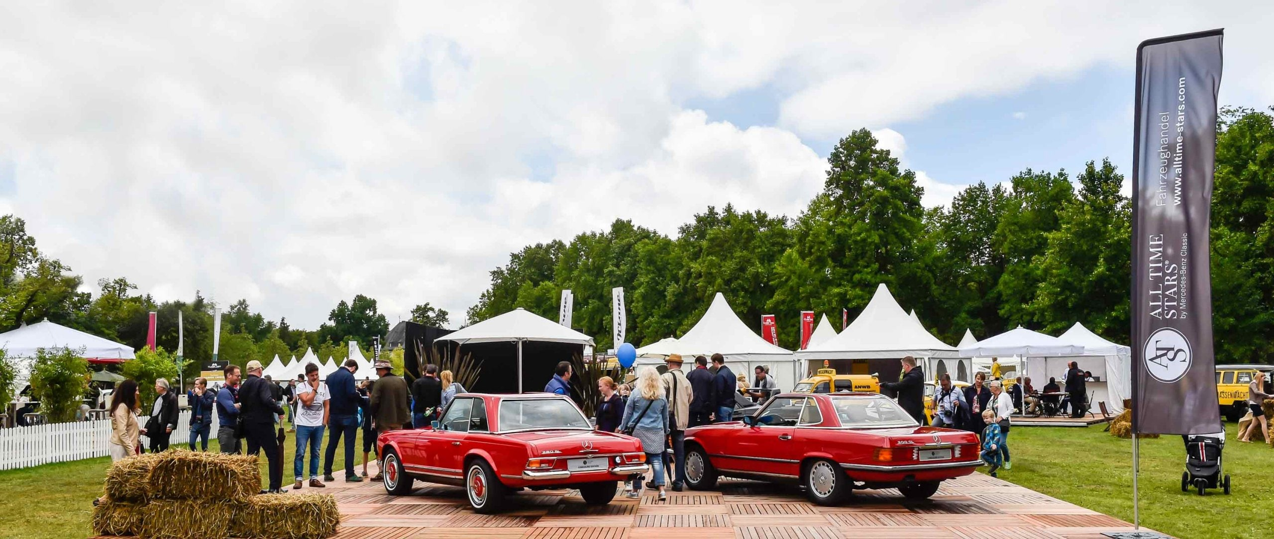 Vehicle trading platform ALL TIME STARS by Mercedes-Benz Classic at Classic Days Schloss Dyck 2017.