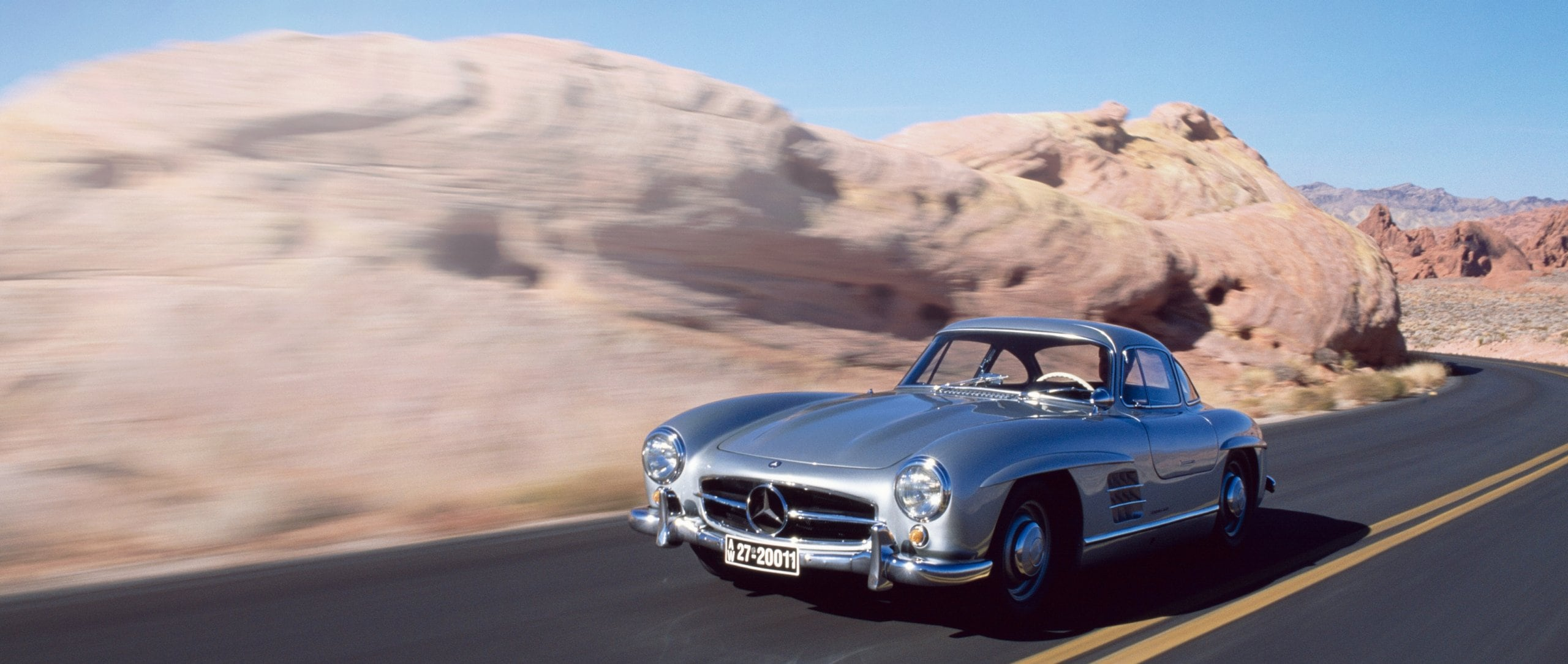 "Mercedes-Benz 300 SL ""Gullwing"" ."
