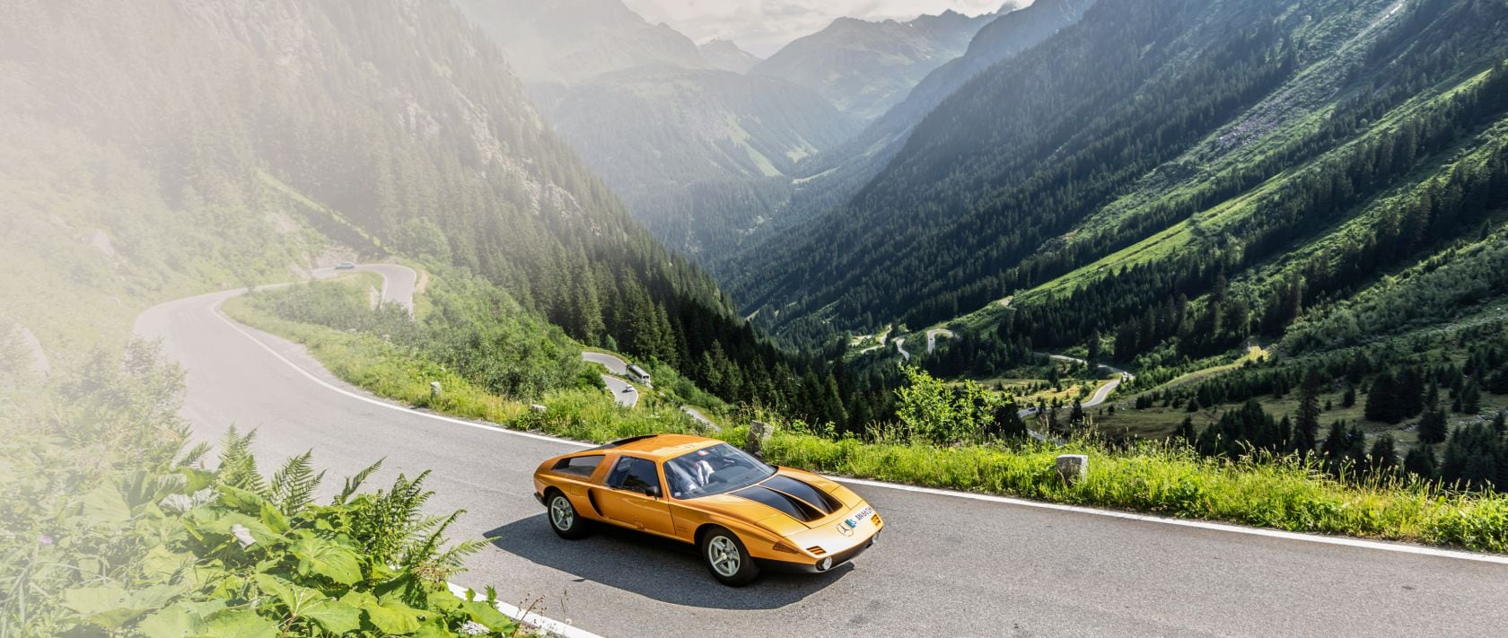 "In the field comprising almost 200 vehicles, the Mercedes-Benz C 111-II from 1970 was the star not only because of its ""weissherbst"" paint job."