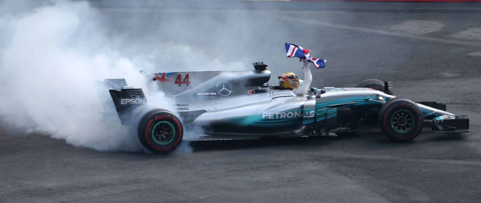 Mexican Grand Prix on 29 October 2017: Lewis Hamilton secures the Formula 1 World Champion title early on for MERCEDES AMG PETRONAS in the F1 W08 EQ Power+.
