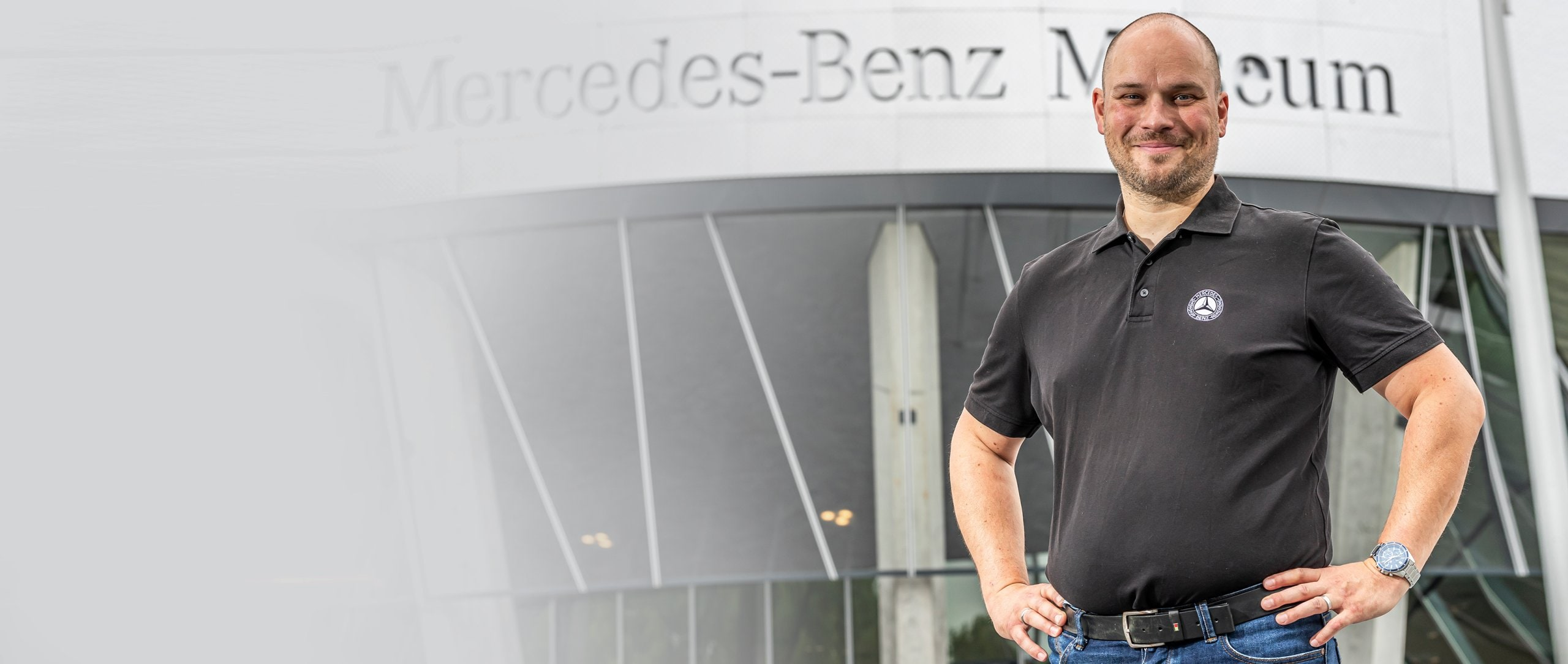 Benedikt Weiler in front of the Mercedes-Benz Museum.
