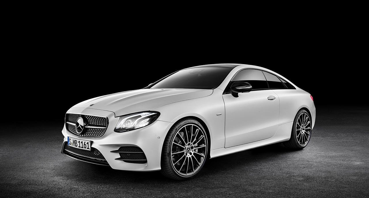 Mercedes-Benz E-Class Coupé (C 238): Edition 1 in designo cashmir white magno with AMG Line and Night Package.
