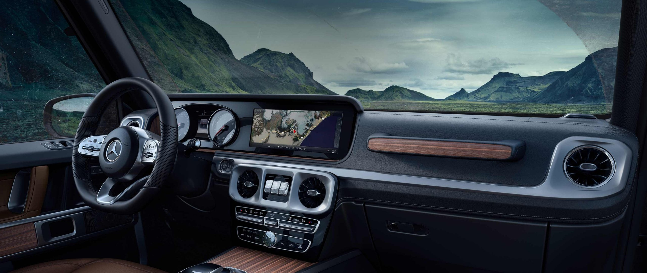 With its completely updated interior and numerous new features, the Mercedes-Benz G-Class has now undergone the most significant transformation of its almost 40-year career.