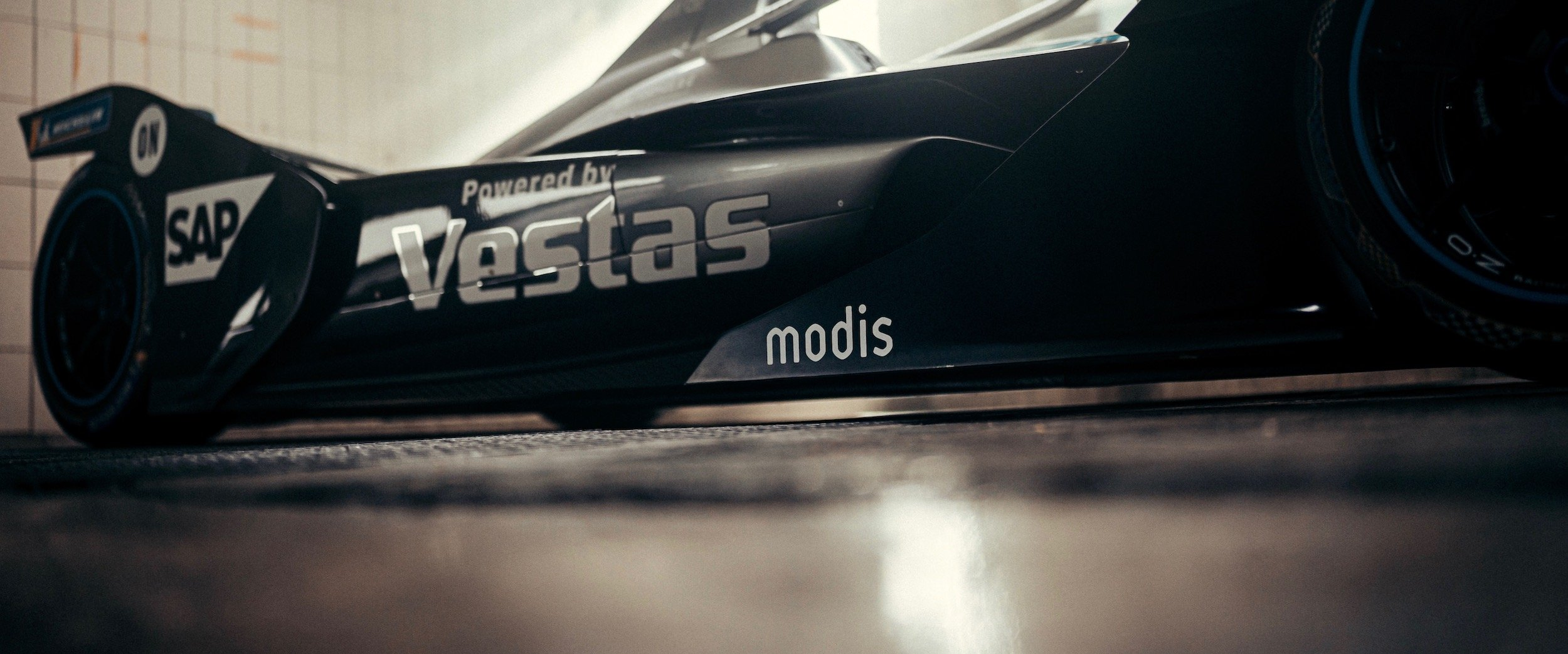Modis logo on the Mercedes-Benz EQ Silver Arrow 02