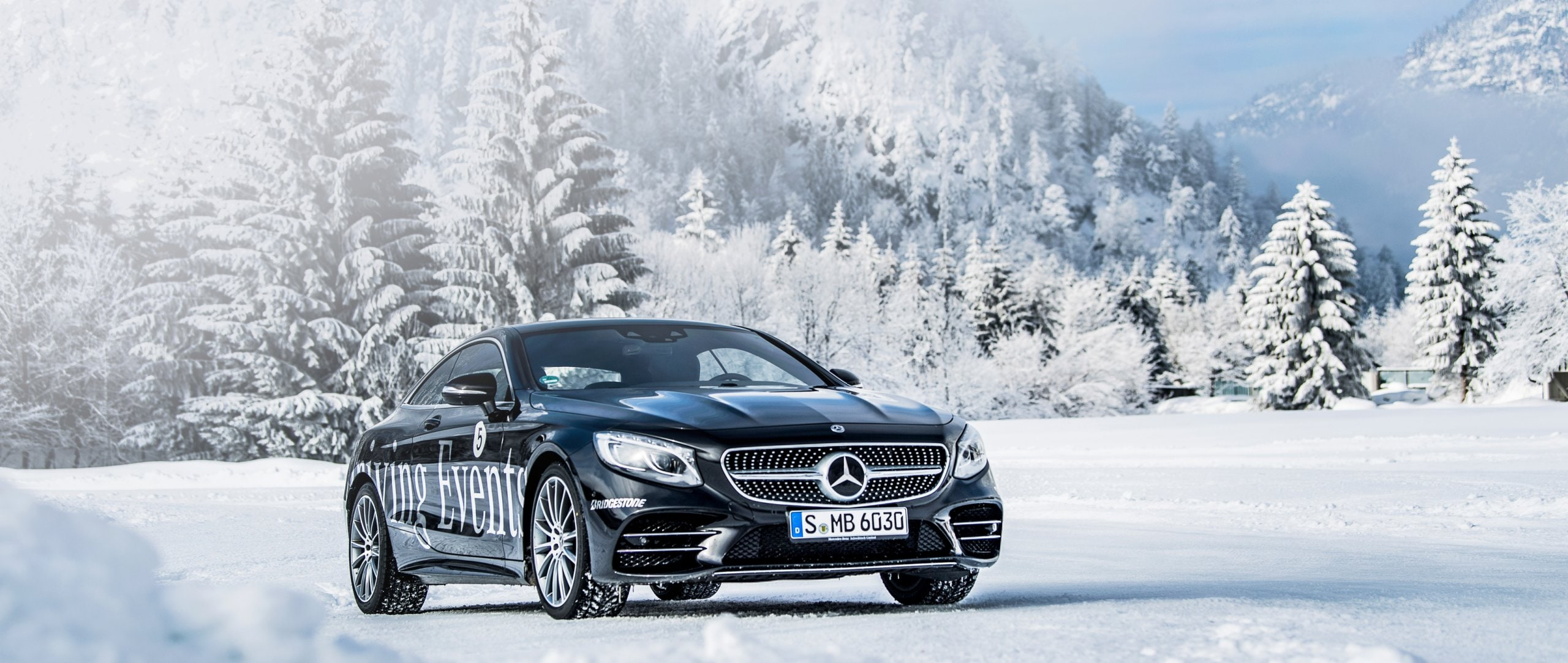 Mercedes-Benz Driving Events: Professionals Perfection Training.