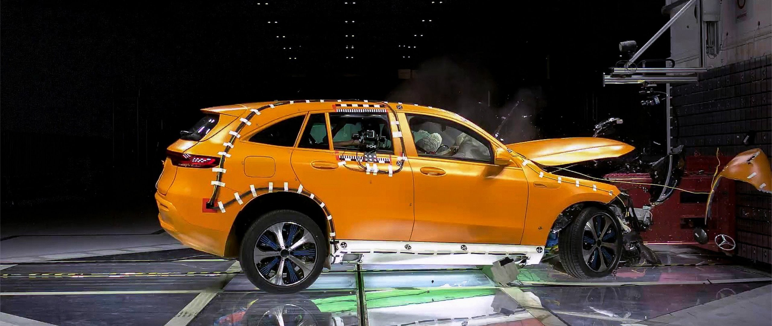 The Mercedes-Benz EQC 400 4MATIC as a crash test vehicle.