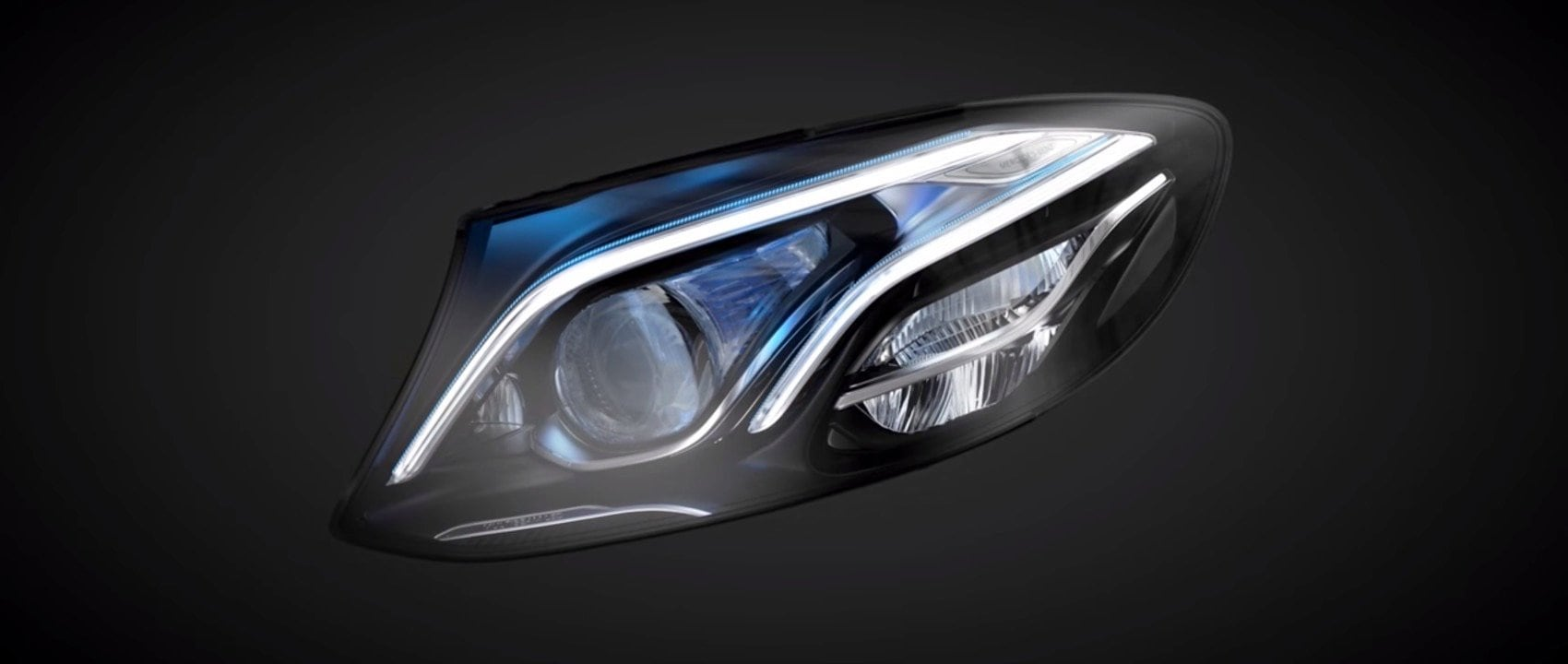 The new MULTIBEAM LED headlight of the Mercedes-Benz E-Class.