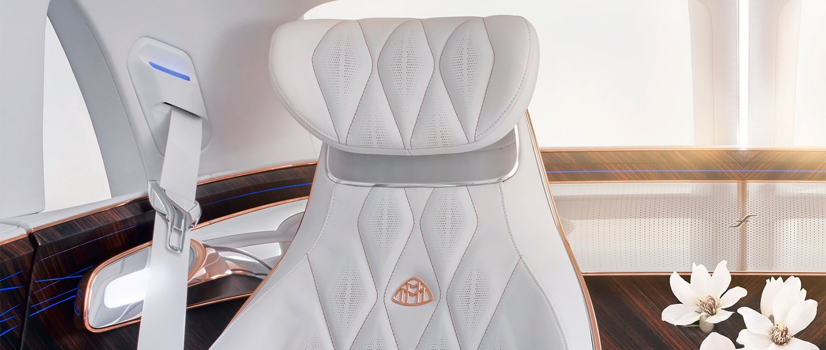Mercedes-Benz background: Vision Mercedes-Maybach Ultimate Luxury interior.