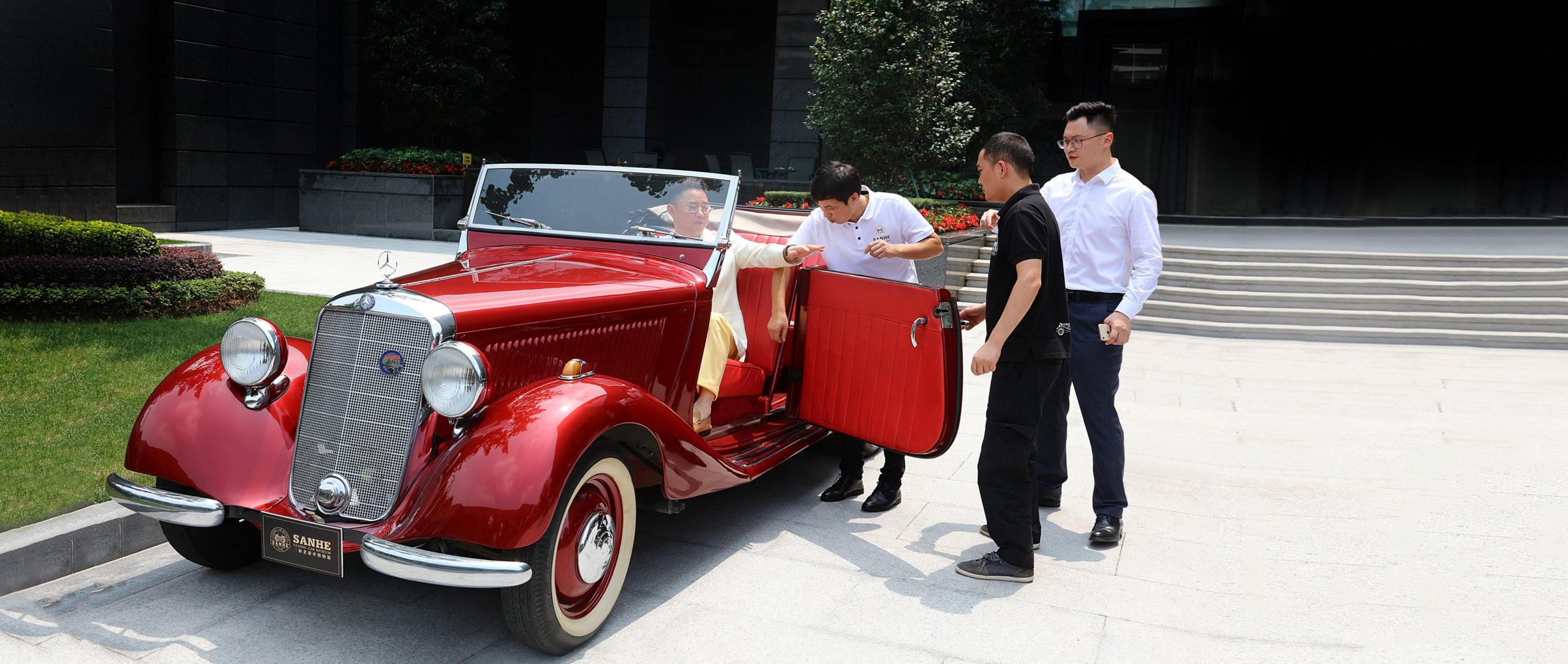 Love isn't blind, it's red: Zongmin Huang is at the wheel, about to take a spin in his Mercedes-Benz 170 D from 1951.