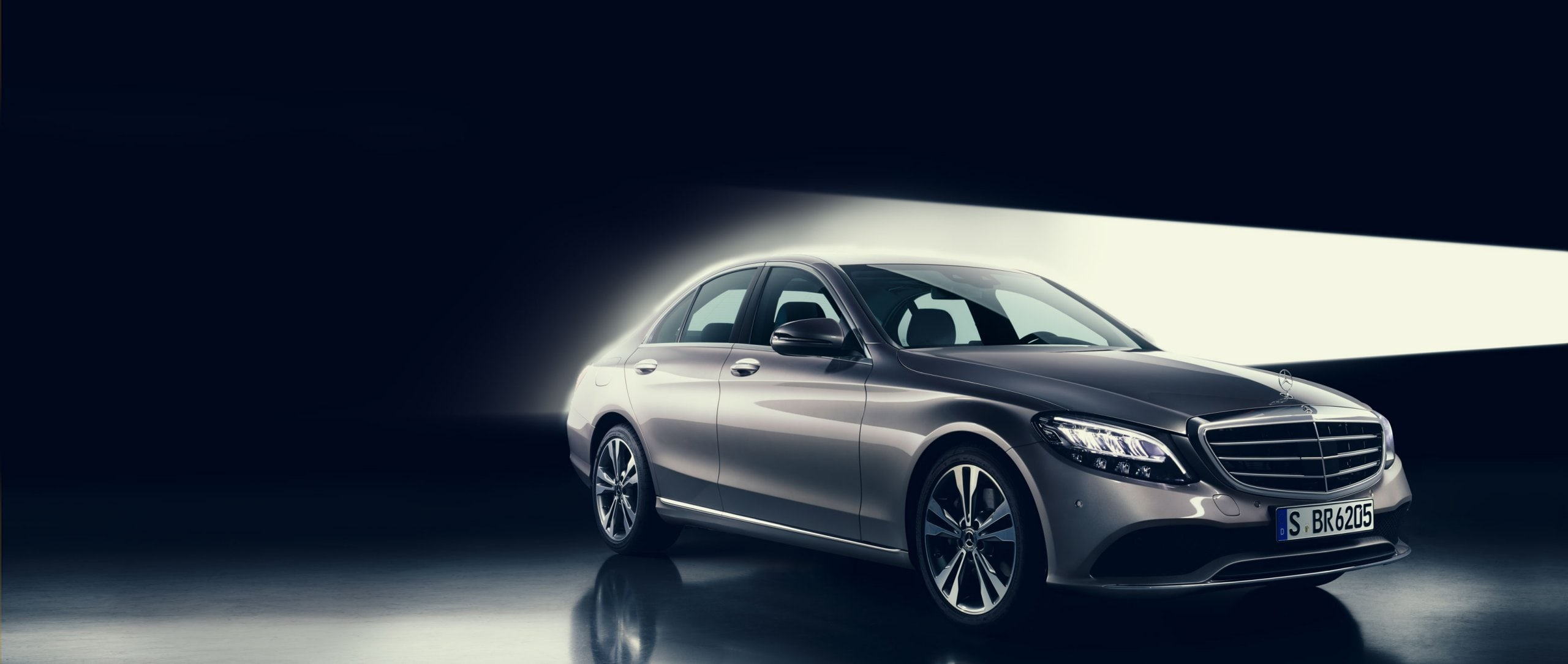 On the occasion of its 25th anniversary, the C-Class is receiving many new updates.