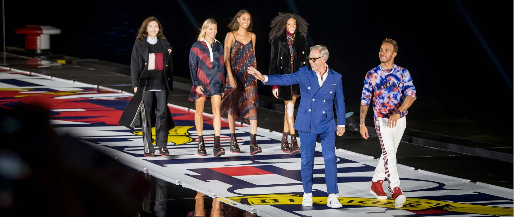 In September 2018, at the historic waterfront area The Bund, TommyXLewis premiered in Shanghai with a colossal show. Tommy Hilfiger and Lewis Hamilton personally presented their first collection.