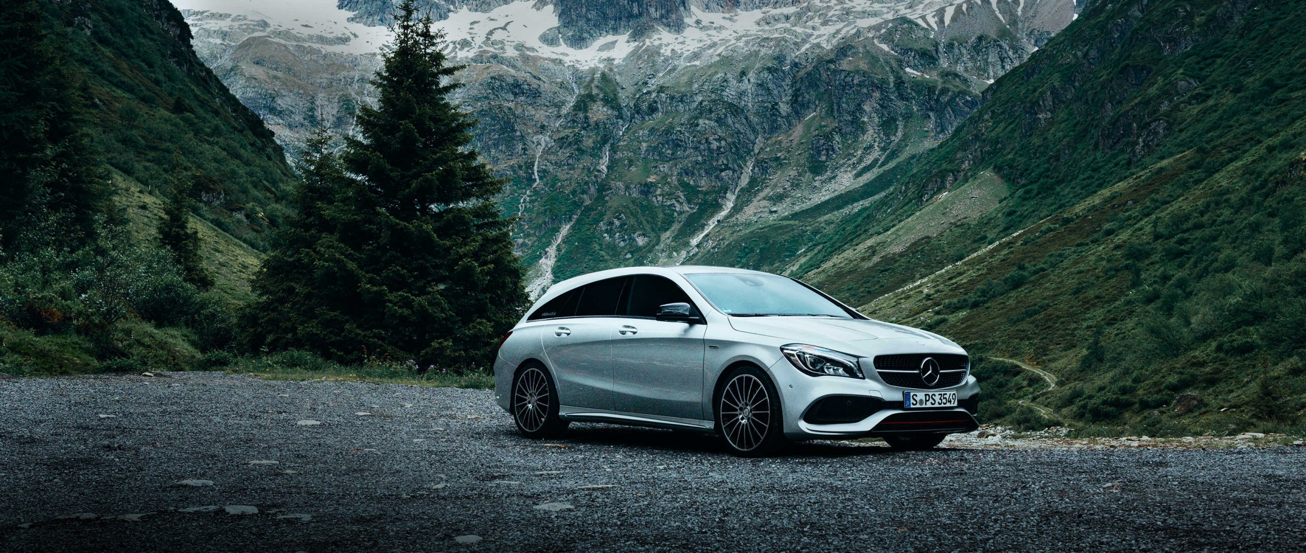 Mercedes-Benz CLA Shooting Brake (X 117): Full view in front of mountain scenery.