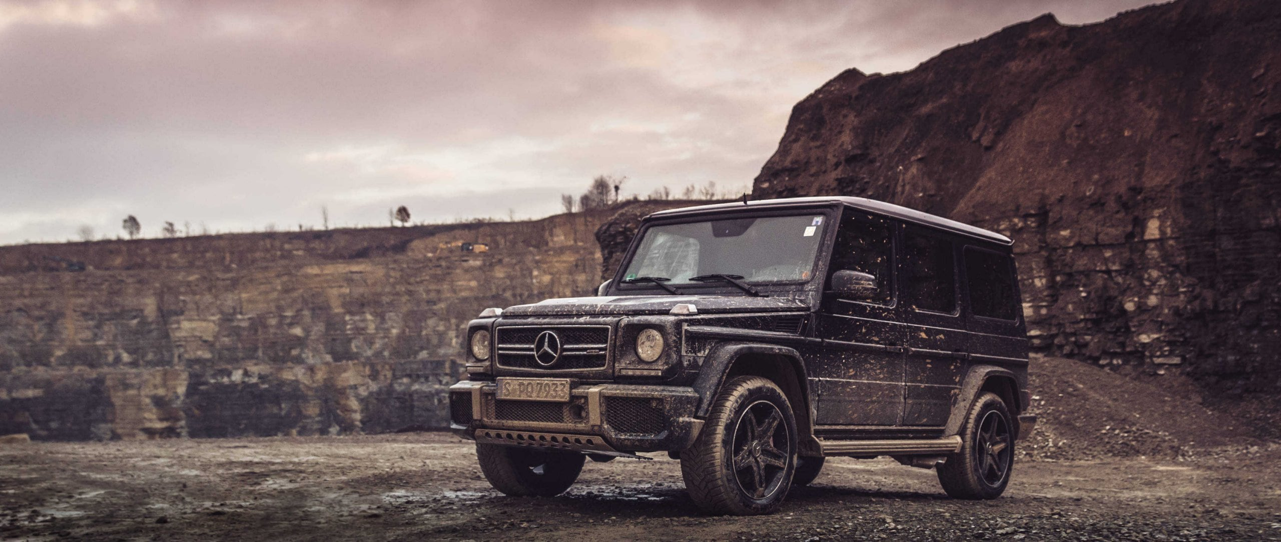 Mercedes-AMG G 63 (W 463): full view in the stone quarry.