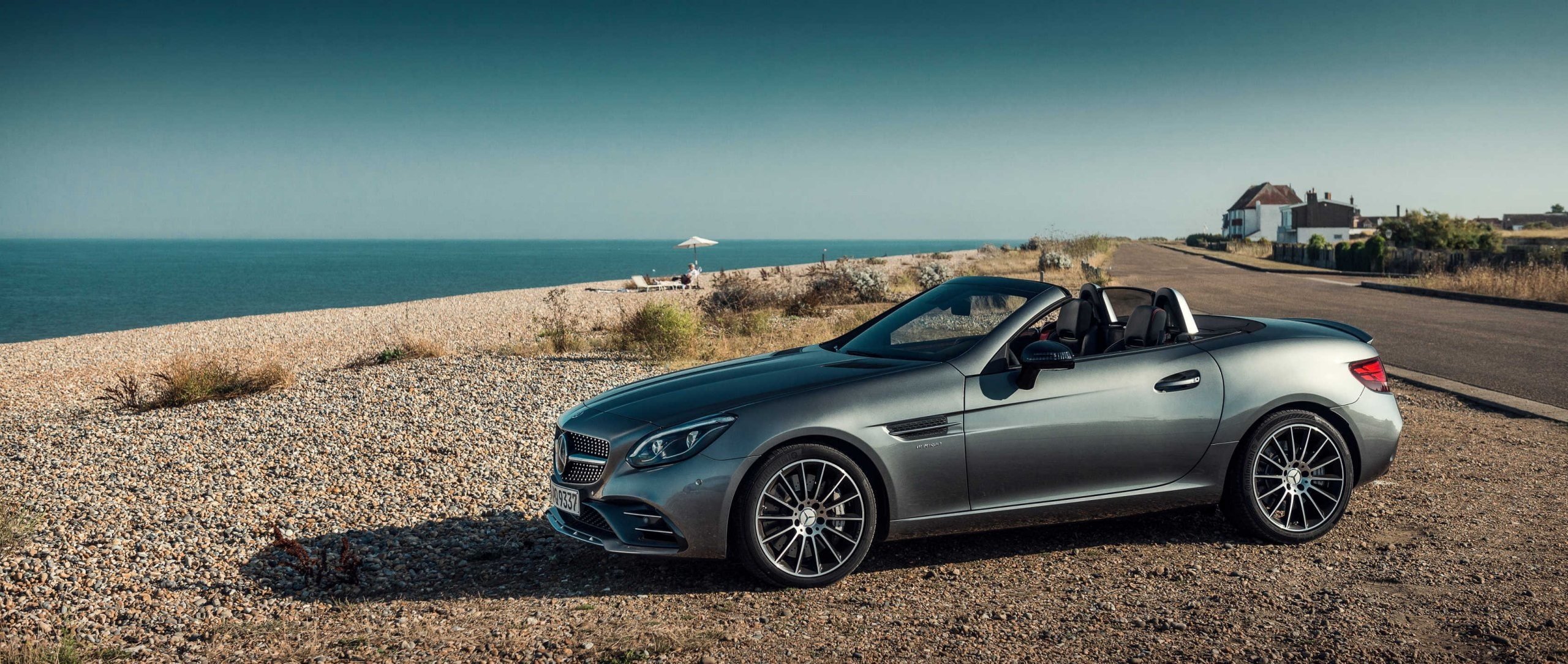 Mercedes-AMG SLC 43 (R 172): side view at the beach.
