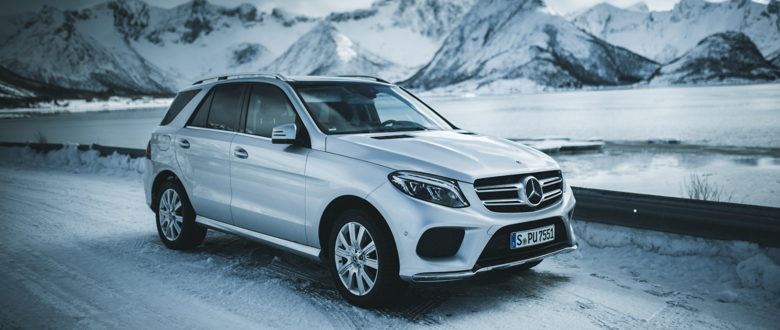 Mercedes-Benz: #MBvideocar – In this episode, Luca Jaenichen explores the fascinating landscape of Norway with the Mercedes-Benz GLE.