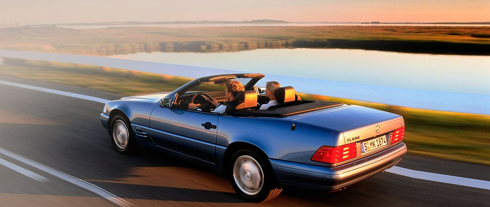 The Mercedes-Benz SL R 129 celebrated its premiere 30 years ago.