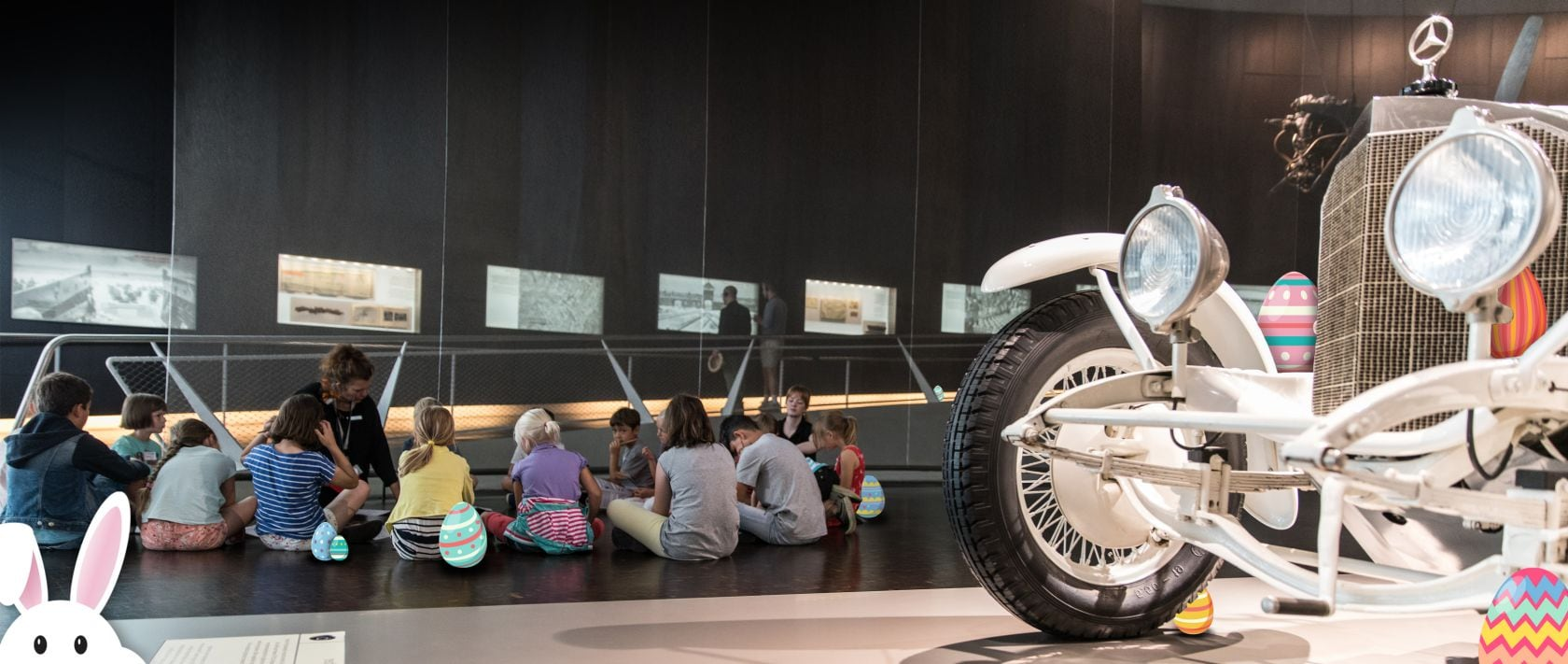 Easter holiday schedule 2019 at the Mercedes-Benz Museum.