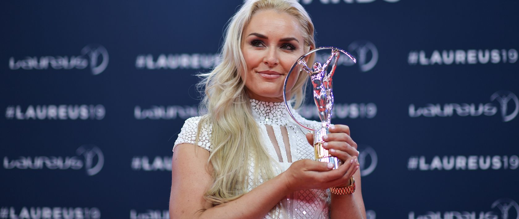 Mercedes-Benz: Laureus World Sports Awards. Skiing great Lindsey Vonn's incredible career was recognised with the Laureus Spirit of Sport Award.