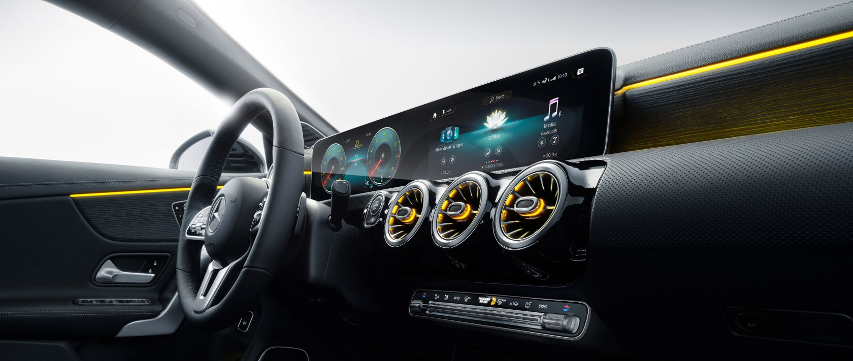 The interior of the 2019 Mercedes-Benz CLA Shooting Brake (X 118) with Widescreen Cockpit and MBUX.