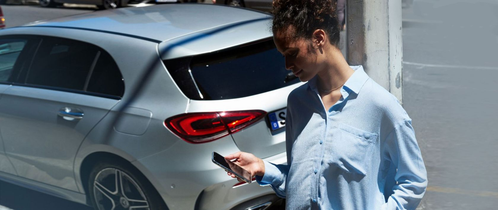 You will find all necessary information regarding your Mercedes-Benz on your smartphone.
