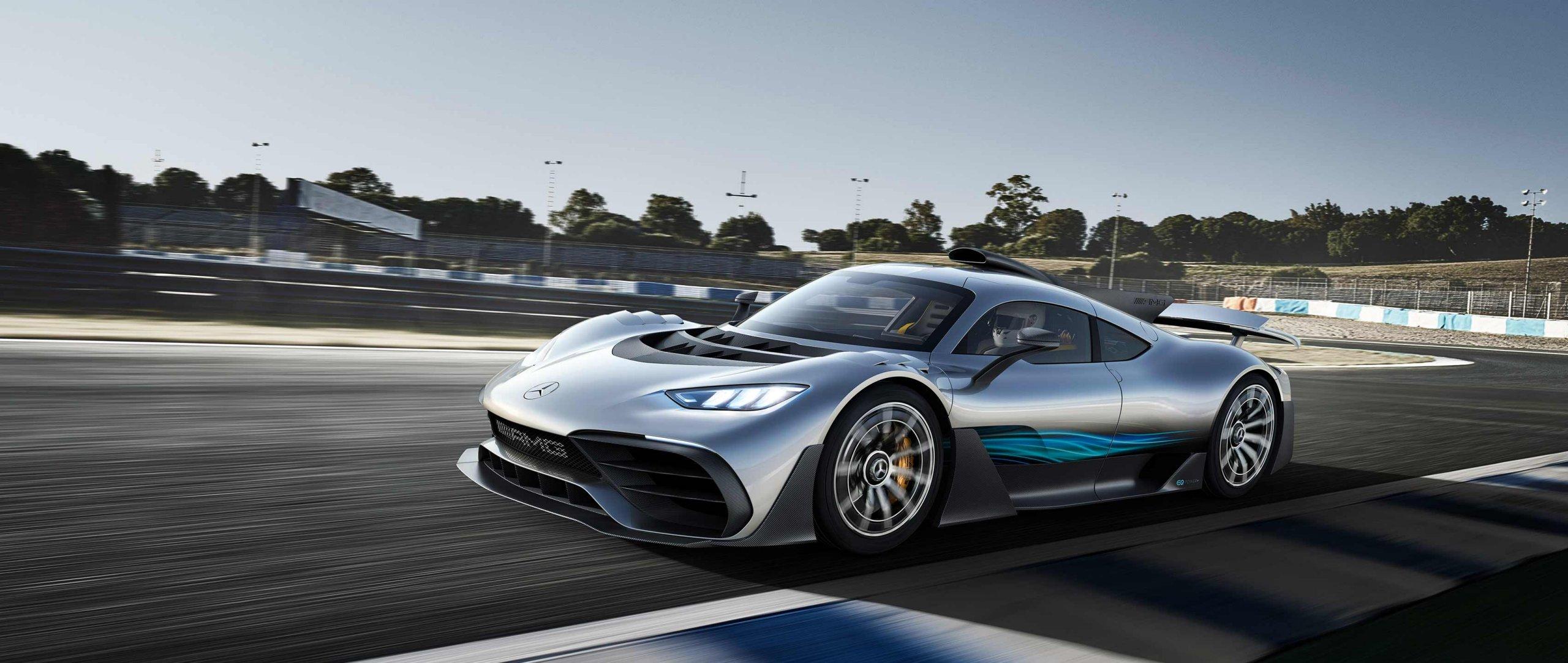 The Mercedes-AMG Project ONE combines outstanding race track performance and day-to-day suitable Formula 1 hybrid technology with exemplary efficiency.