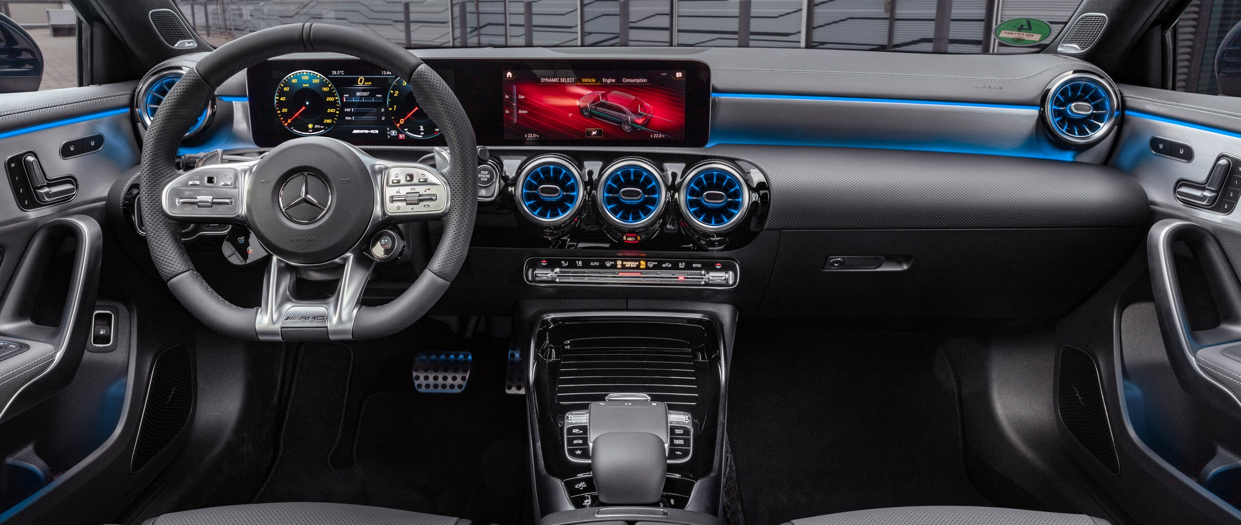 The interior of the new 2019 Mercedes-AMG A 35 4MATIC Saloon (V 177).