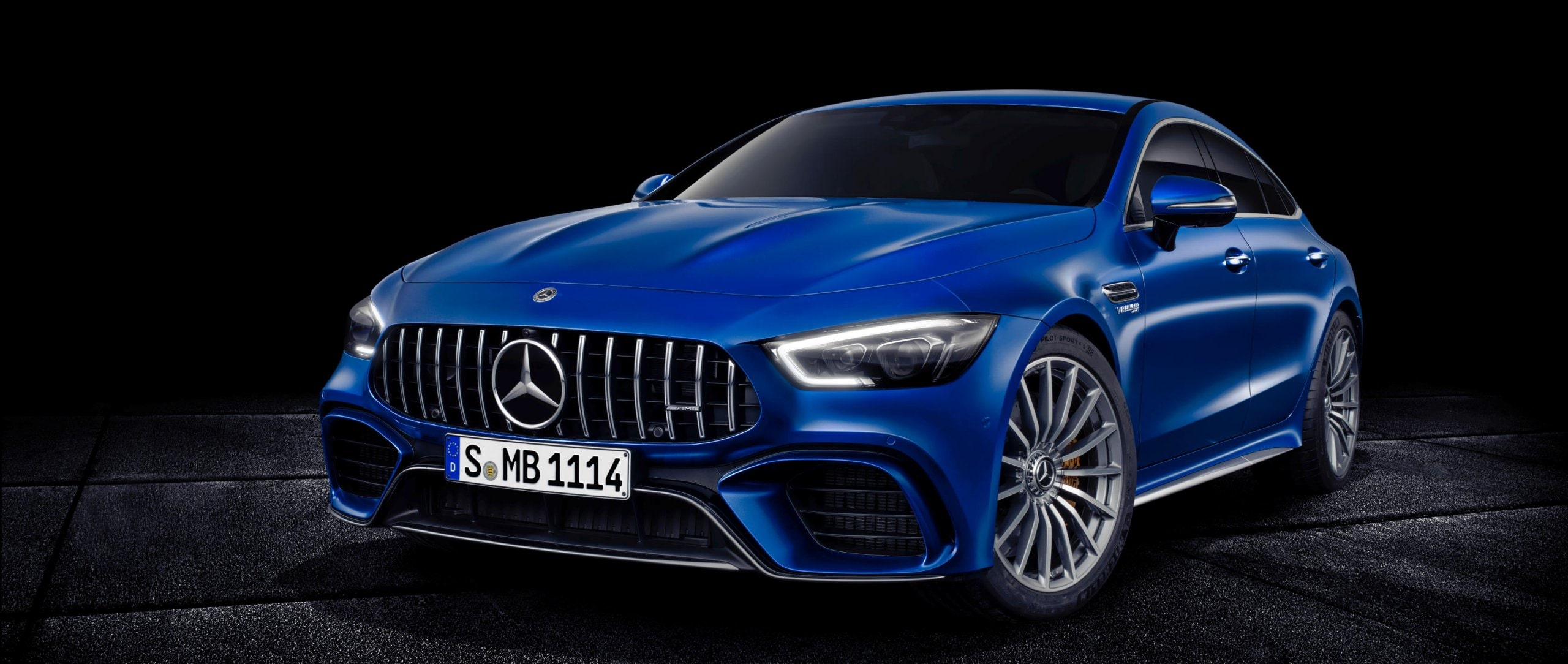 The new Mercedes-AMG GT 4-Door Coupé combines unique design, high comfort and outstanding sports car engineering.