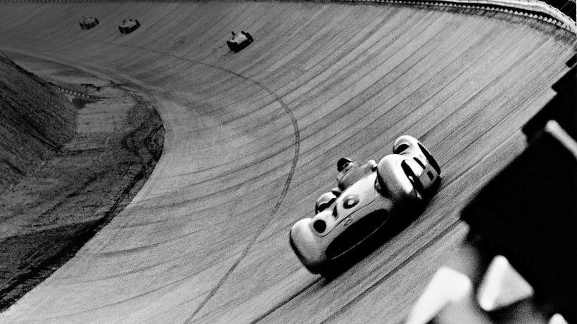Mercedes-Benz Passenger Cars: Articles, videos & photos.