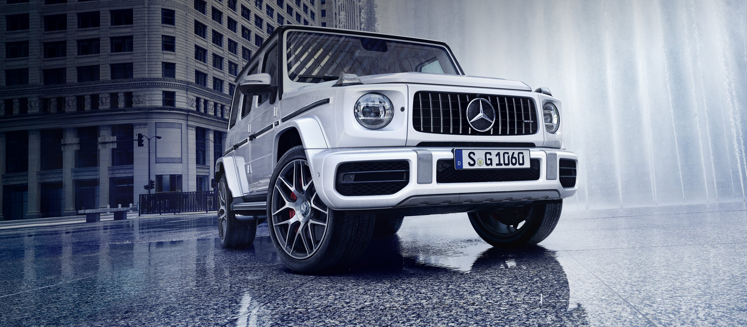 mercedes-benz-g-class-w463-amg-brandhub-full-screen-stage-3200x1400-11-2019