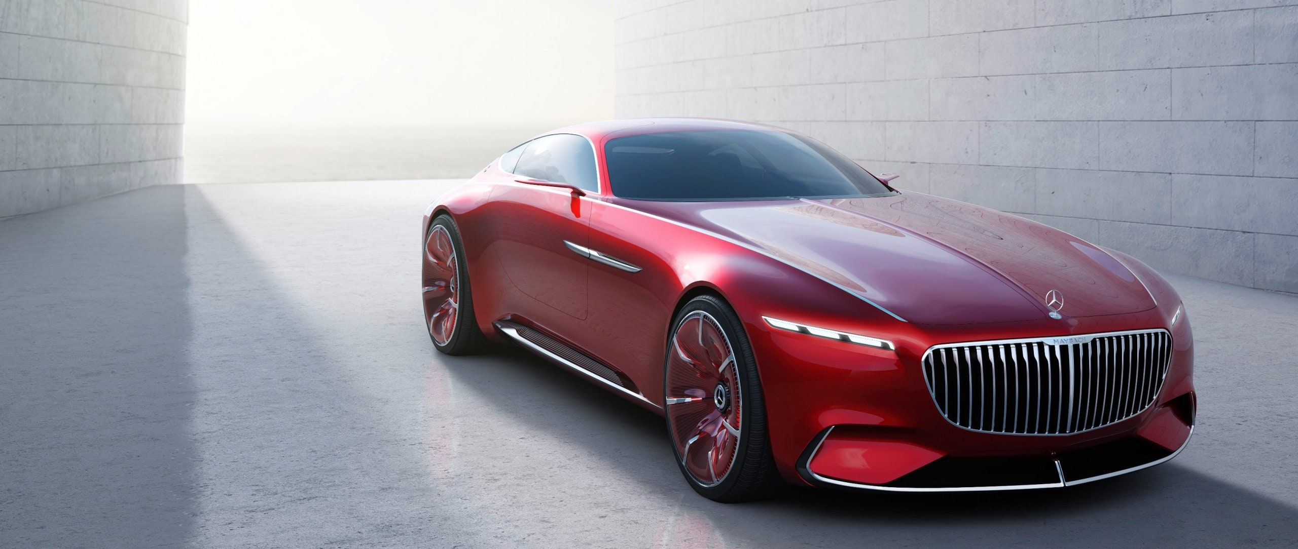 Ultimate luxury: Vision Mercedes-Maybach 6 in half profile.