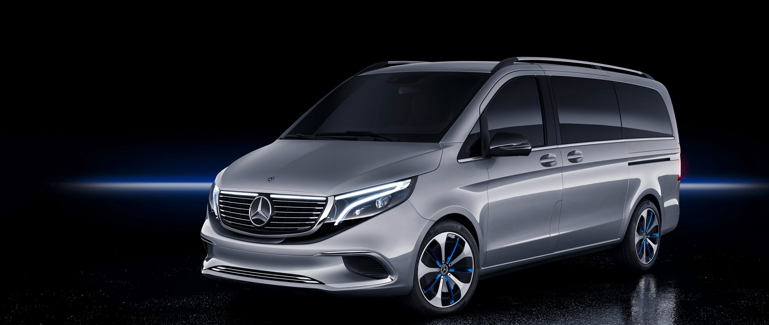 Side view of the new Mercedes-Benz Concept EQV.