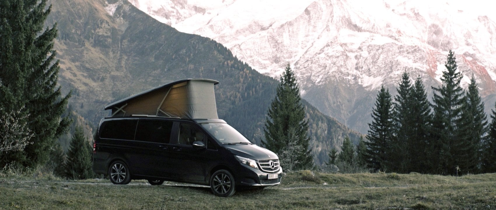 The Mercedes-Benz Marco Polo (BR 447) in the mountains.